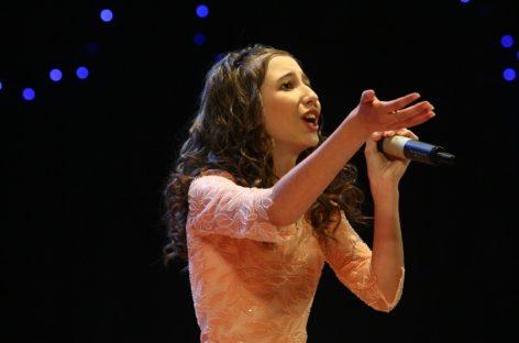 Юная сальская исполнительница вышла на большую сцену