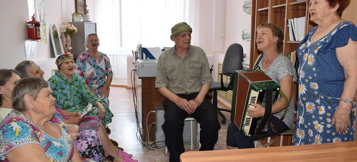 Сальчане могут принять участие в конкурсе на лучшую приемную семью