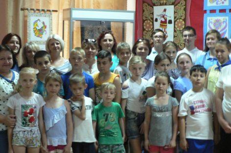Выставка педагогов и учеников Сальской ДХШ открыта в Песчанокопском