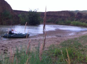 Сварщик из Белозёрного продолжает сплав по реке Егорлык