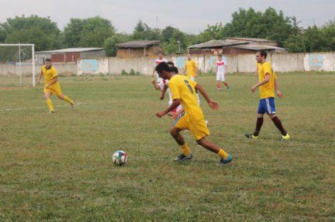 В Сальском районе завершился первый круг районного чемпионата по футболу