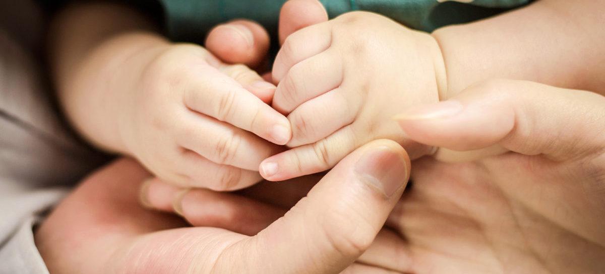Полуторагодовалого ребёнка доставили в Сальскую больницу с подозрением на отравление инсектицидами