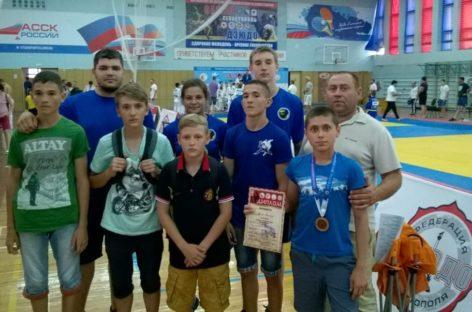Спортсмены из Сальска боролись на татами в Севастополе