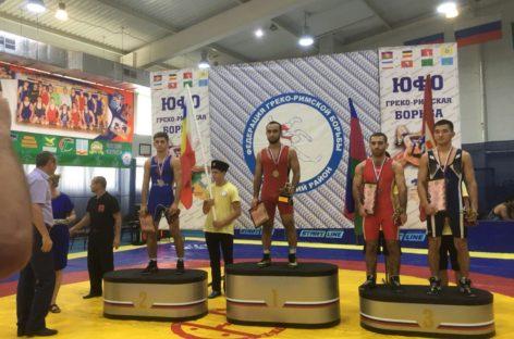 Борец из Сальского района поедет на чемпионат России