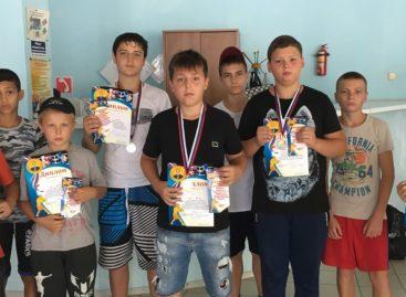 Сальские боксеры привезли 11 наград из станицы Павловской