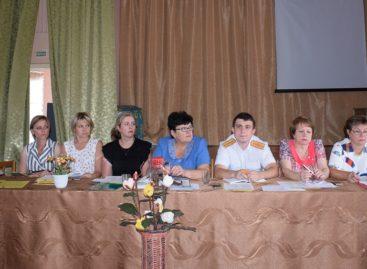 Утверждён новый состав сальской комиссии по делам несовершеннолетних