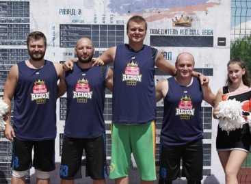 Сальские спортсмены сыграли с серебряным призером всероссийских соревнований по стритболу
