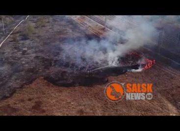 Ветер быстро гнал пламя к автозаправочной станции в Сальске