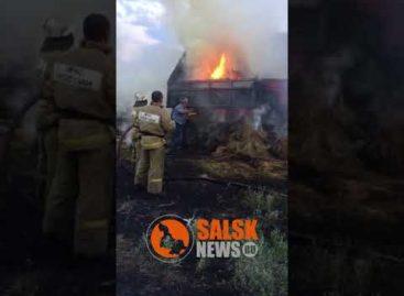 В Екатериновке загорелся КамАЗ с 17-ю тюками сена