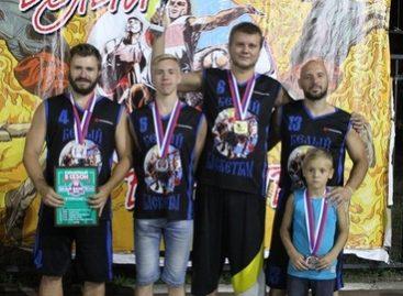 Стритбол: сальский «Русич» стал вторым на «Белом баскетболе»
