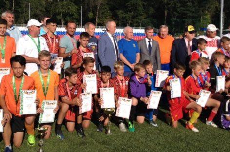 Юные сальские футболисты приняли участие в финальных играх областных соревнований