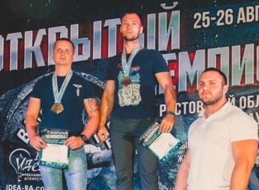 Сальчане показали себя на областном чемпионате по силовым видам спорта