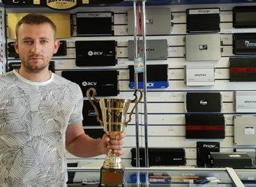 Сальчанин Антон Ятлов стал вице-чемпионом России по автозвуку