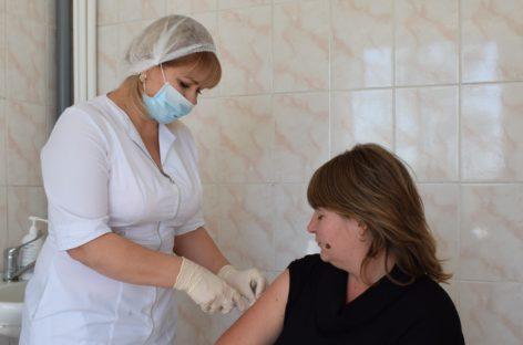 В Сальске продолжается вакцинация населения против гриппа