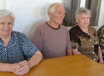 От экскурсии до «горячей линии»: в Сальском районе стартует декада пожилых людей