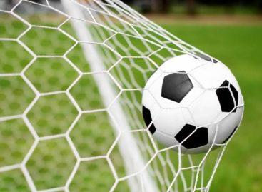Сальский футбол: преодолен экватор межрайонного чемпионата