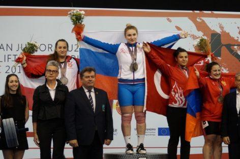 Сальская тяжелоатлетка Дарья Рязанова вырвала победу на первенстве Европы