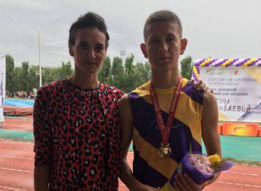 Сальские легкоатлеты победили на турнире Елены Исинбаевой в Волгограде