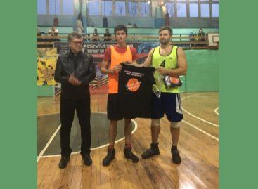 Комсомольцы сыграли в баскетбол с сальской молодежью