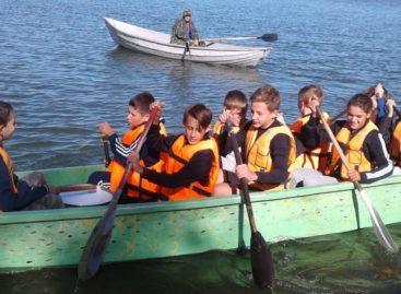 Сальские гребцы прошли по воде Волгодонска на «Драконе»