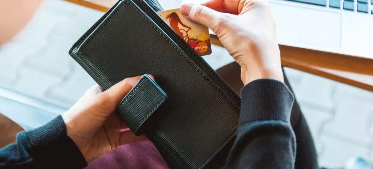 Банки теперь вправе приостанавливать подозрительные операции по счетам граждан