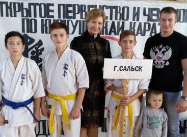 Каратисты успешно представили Сальск в Песчанокопском