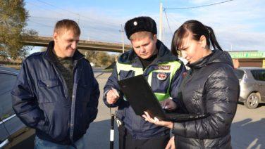 Судебные приставы арестовали семь машин сальчан-должников