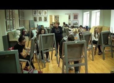 Кто главный на олимпиаде по искусству? Юные сальские художники готовятся показать класс