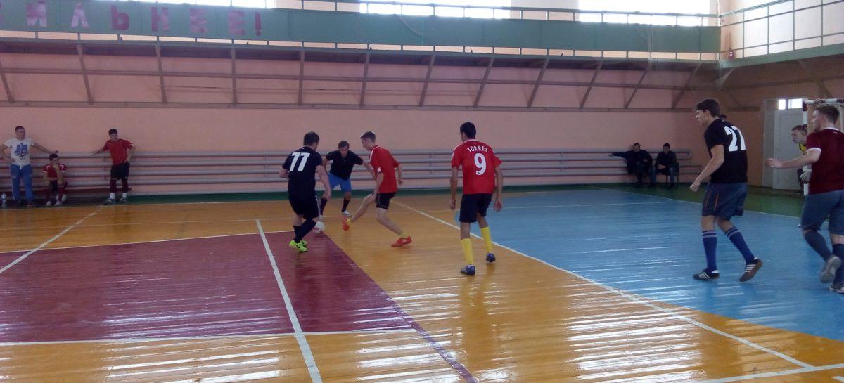 Мини-футбол в Сальске: сыграны матчи восьмого тура