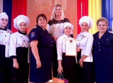 «Смак» против «Девчат»: сальские студентки готовят лучше азовских!