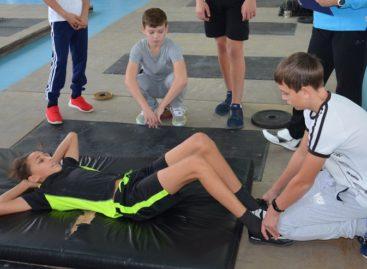 Спортсмены показали пример сальчанам и сдали нормы ГТО