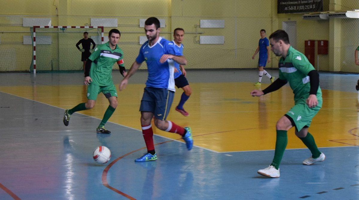 Мини-футбол в Сальске: поддержи свою команду в выходные!