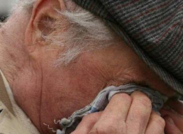 Пожилой мужчина рассказал, что пострадал от рук собственного сына