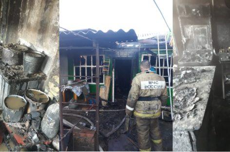 Пожар в зимней кухне на улице Трудовой разгорелся воскресным утром