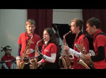 Из Парижа — в Сальск: детский ростовский биг-бенд «взорвал» сцену джазом