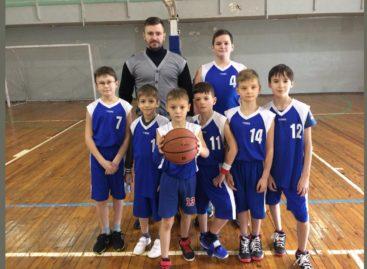 Потягались со старшими: юные сальские баскетболисты выступили в Волгограде