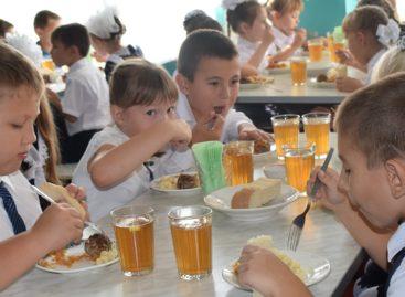 С начала третьей четверти подросли цены на школьное питание