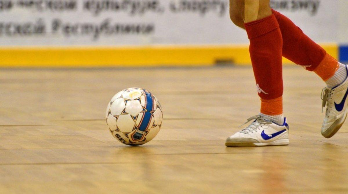 Вторая лига по мини-футболу: «Союз» и «Фаворит» вернулись в гонку за призы