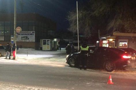 У автовокзала в Сальске камазист сбил 14-летнюю девочку
