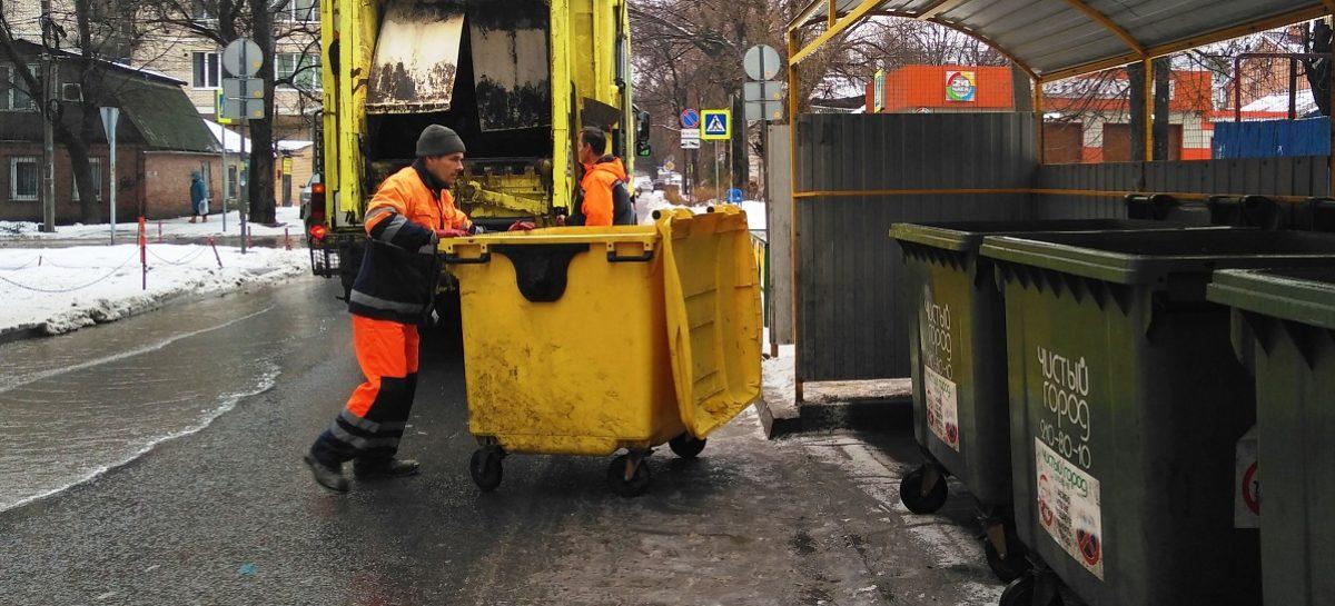 Вывезли более 80 тысяч кубометров отходов: региональные операторы отчитались за работу в праздничные дни