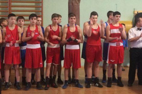 Сальские боксеры добыли медали в Ростове и Волгограде