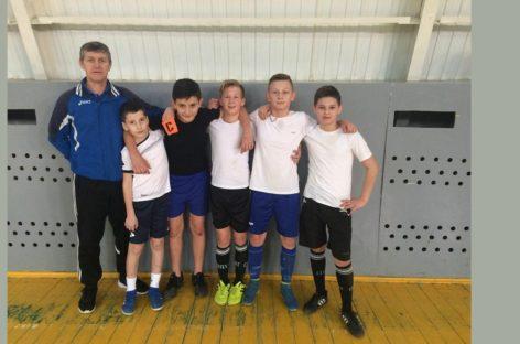 Кто сильнее в мини-футболе, выясняли сальские школьники