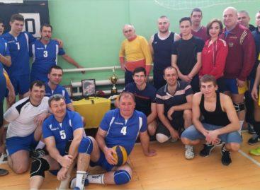 В Сандате прошел волейбольный турнир памяти Владимира Денисенко