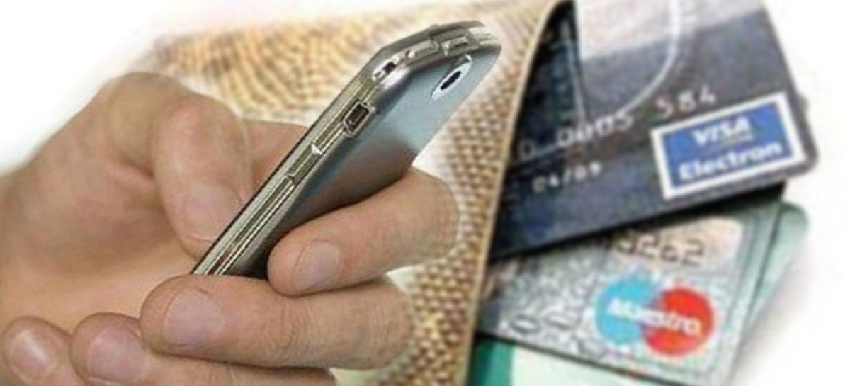 Сальчанин потерял барсетку, а спустя время с его кредитки начали снимать деньги