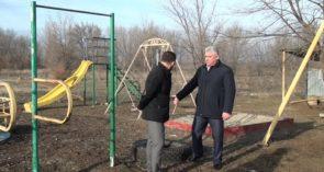 На Заречье детская площадка, построенная жителями, пострадала от рук вандалов