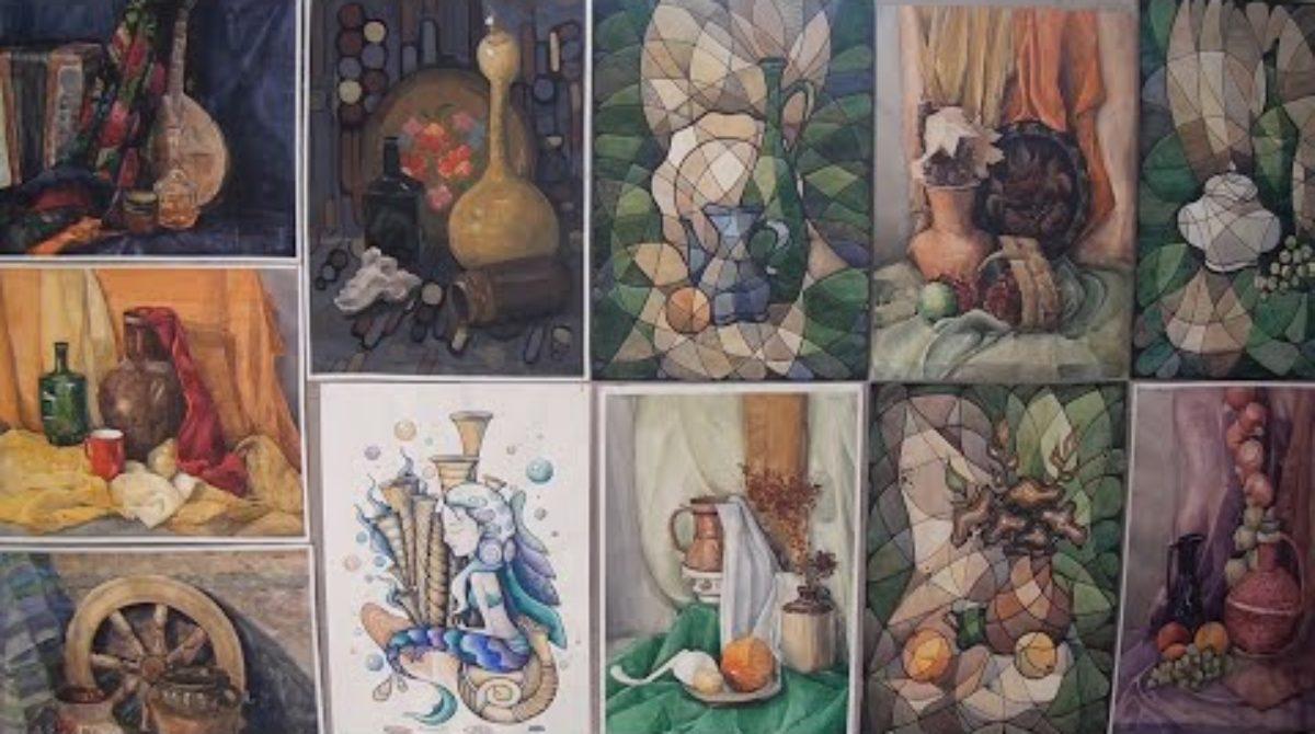 Юные сальские художницы удостоились персональных выставок
