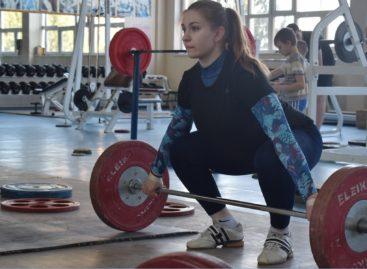 Сальская тяжелоатлетка Дарья Рязанова в четвертый раз победила на первенстве России