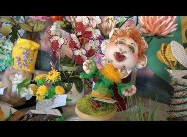 «Весенний первоцвет»: в Доме пионеров работает выставка декоративно-прикладного творчества