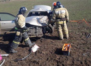 В смертельной аварии в Сальском районе погибли сразу три человека