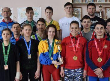 Сальские тяжелоатлеты завоевали «серебро» Игр Дона